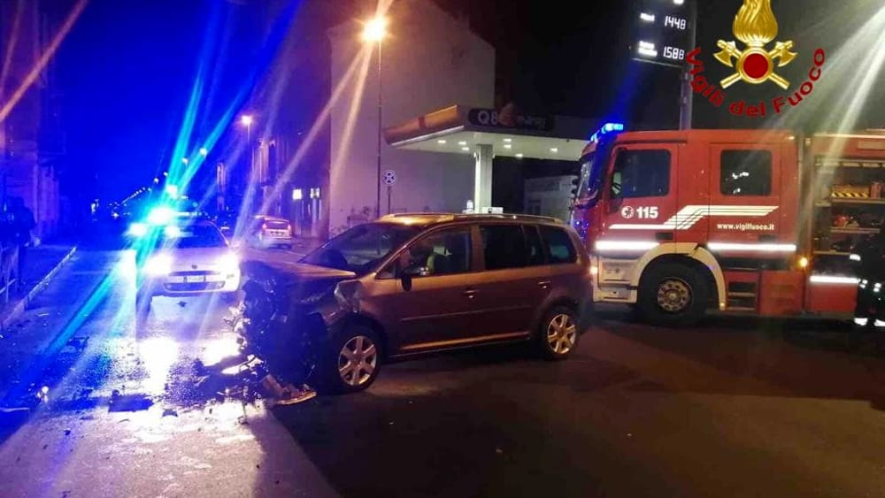 incidente auto vvf notte (1)-2