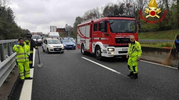 incidente a26 autostrada vigili del fuoco-2