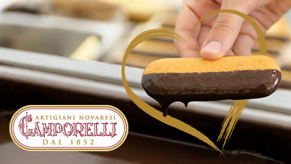 Merenda da Camporelli: Biscottini intinti nel cioccolato fuso