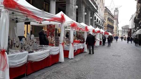 Novara, Mercatini di Natale in corso Cavour