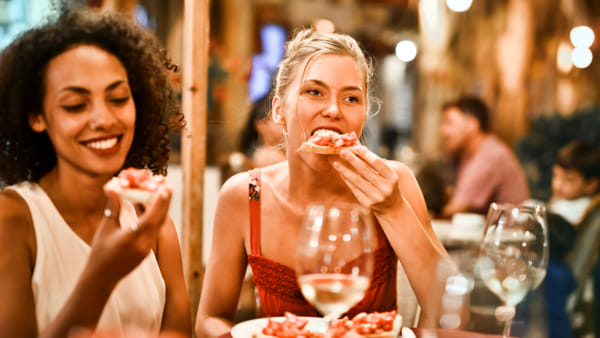 """""""Chef sotto le stelle"""": tornano le cene all'aperto nei ristoranti della città"""