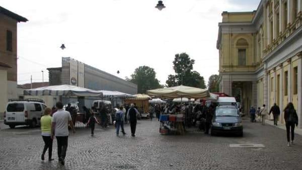 Novara, torna il mercatino dell'antiquariato