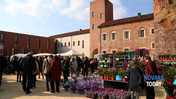 Fiorissimo: torna al Castello la mostra mercato di fiori, piante e art-design