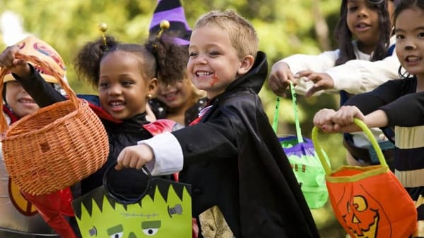 Halloween, la notte dei bambini mascherati a Invorio