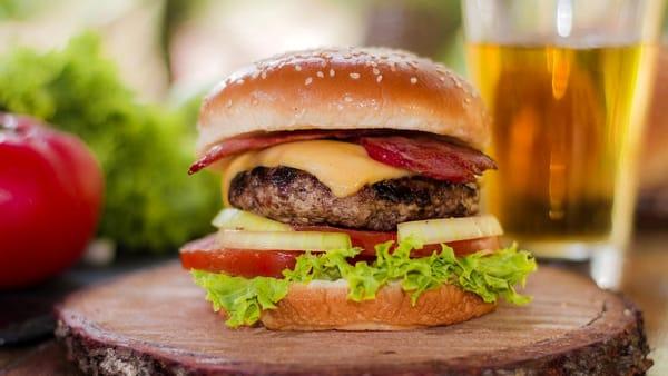 "Grignasco: al Parco Mora ""Italian Food & Burger Party"""