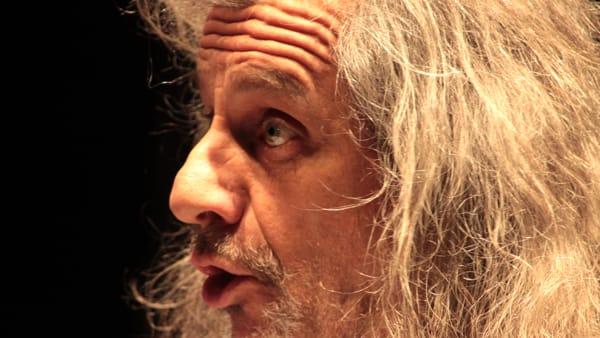 """Teatro: al Coccia Alessandro Bergonzoni in """"Trascendi e Sali"""""""