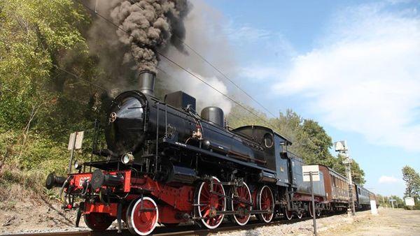 A Pasqua torna il treno storico: in viaggio con la locomotiva a vapore sulla Novara-Varallo