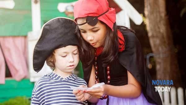 Con i bambini alla caccia al tesoro nel parco del Museo Meina sul Lago Maggiore