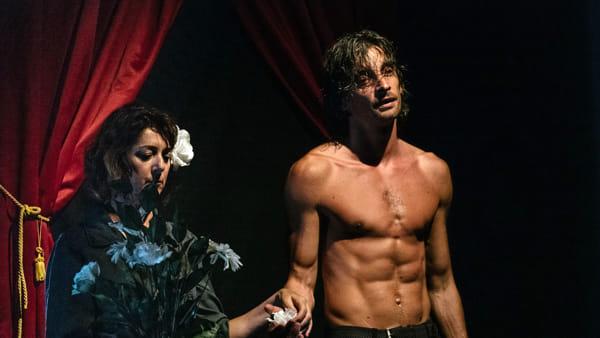 "Teatro: al Faraggiana arriva ""Amleto Take Away"""