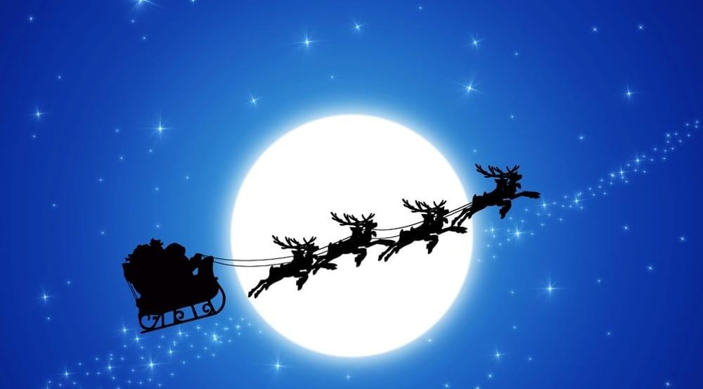 Immagini Slitta Di Babbo Natale.La Slitta Di Babbo Natale A Varallo Eventi A Novara