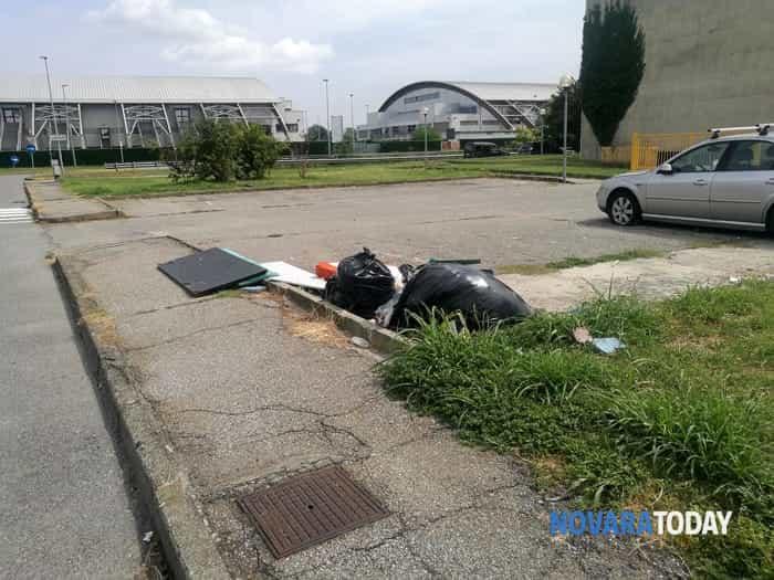 I rifiuti in via della Riotta (1)